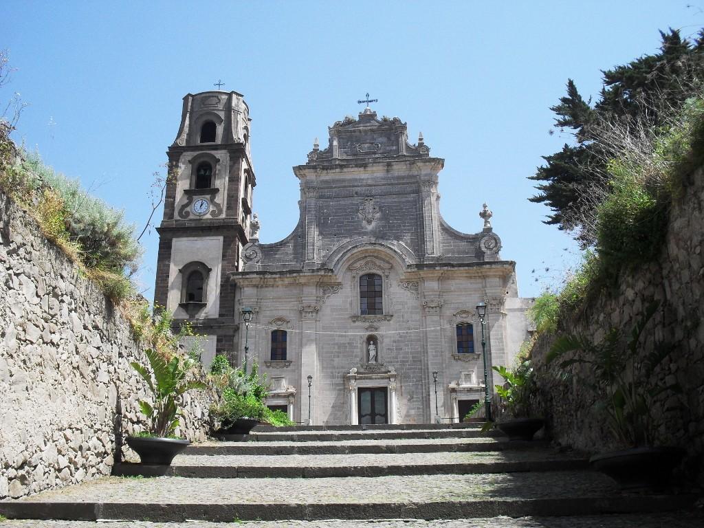 Eol-Salina-Cattedrale-Bartolomeo